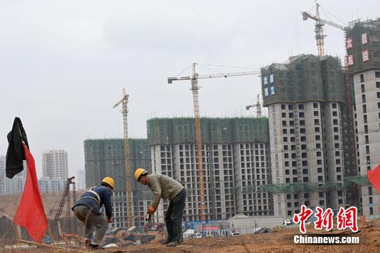 """城镇化变""""造城"""" 天量库存拖累中西部县域经济"""