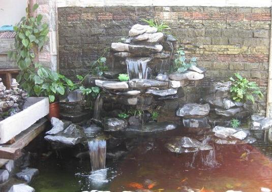 住宅庭院风水策划原则——曲水有情 环抱为上