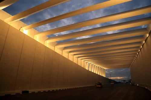 12月31日晚 港珠澳大桥岛隧现场将亮灯迎新年
