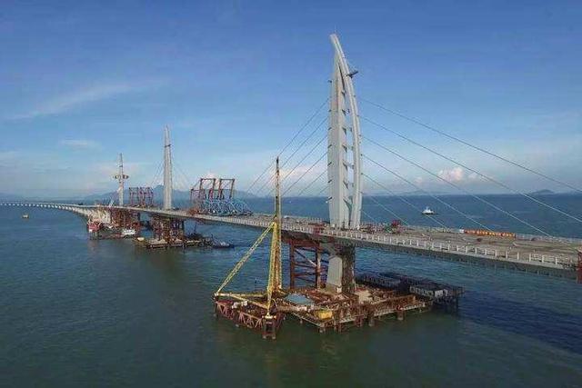 港珠澳大桥的来历中交港珠澳大桥岛隧工程项目总经理林鸣全程指导图片