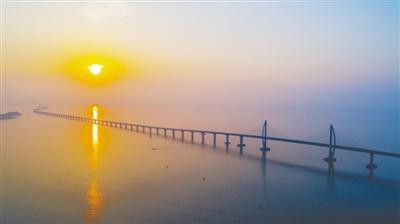 港珠澳大桥香港接线全线贯通BB具备年底通车条件