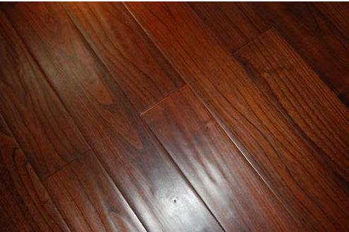 装修选择地板还是地砖,还在纠结是因为你没看这篇稿子