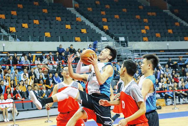 国内某企业打篮球 场地选中国CBA第一球馆!