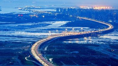 由原来的罗湖转移至福田,而在不远的将来,前海成为深圳新cbd势不可挡.图片