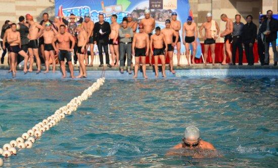 黄冈首届景观泳池冬泳大赛 1月5日在万景城激情上演