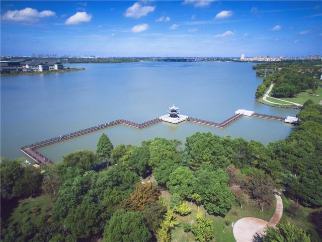 城市向东 生活向湖 启幕新一代湖居生活