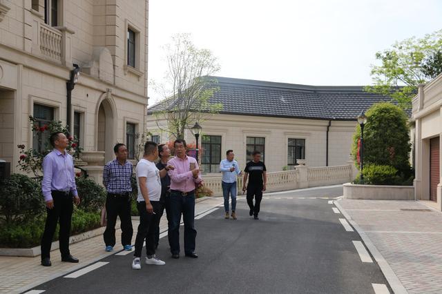 南城骊苑领导莅临香格里拉 考察交流促发展