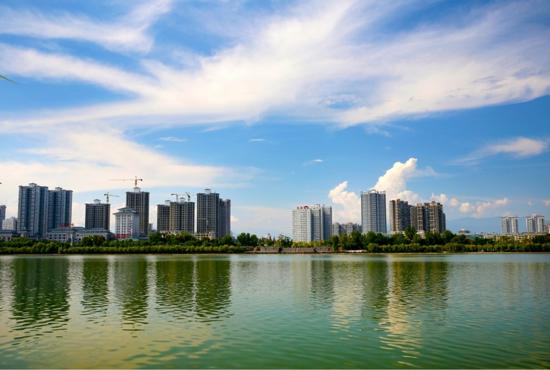 """魅力之城崛起于""""一江两岸"""""""