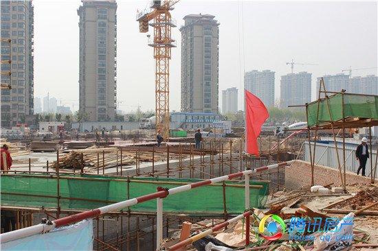 上河城·外滩高层已建至地上一层 售楼部重新装修入市