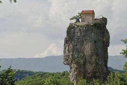 这房子 怎么建上去的
