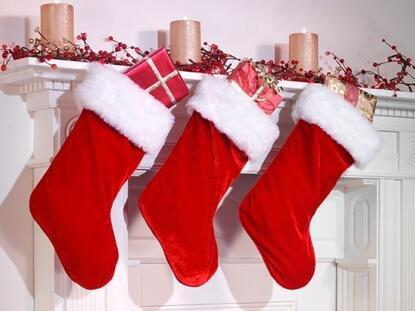 恒隆四季城:这个圣诞美女陪你过节 大神陪你开黑