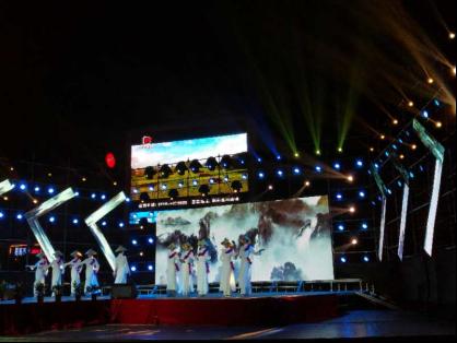 恒大:大型旗袍秀昨晚圆满落幕 登场的表演团队厉害了