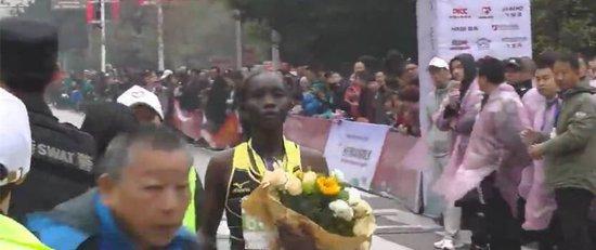 金园香格里拉2017中国田园松阳马拉松正式开赛
