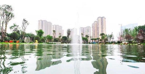 鸿通.海上威尼斯:城北买房,还看这社区中轴湖中央!