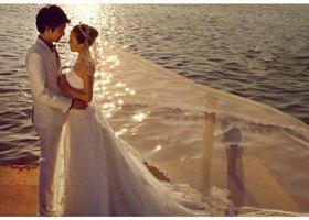 婚礼都已准备好 就差你了