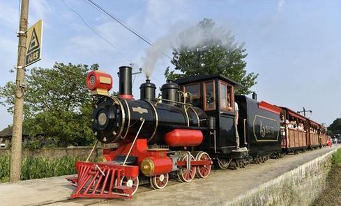 南充观光小火车 推动六合工业旅游发展