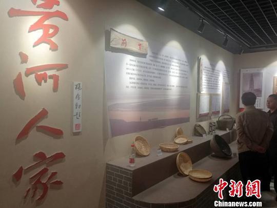 """河南范县:滩区村民喜迁新居未婚小伙成""""抢手货"""""""