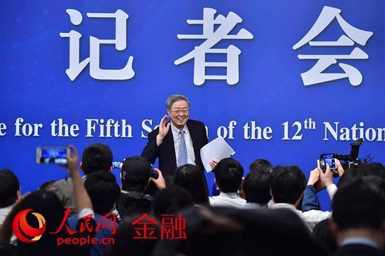 央行行长周小川: 房贷还会较快发展 要适当平衡
