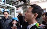 环保局局长喝下处理过的污水