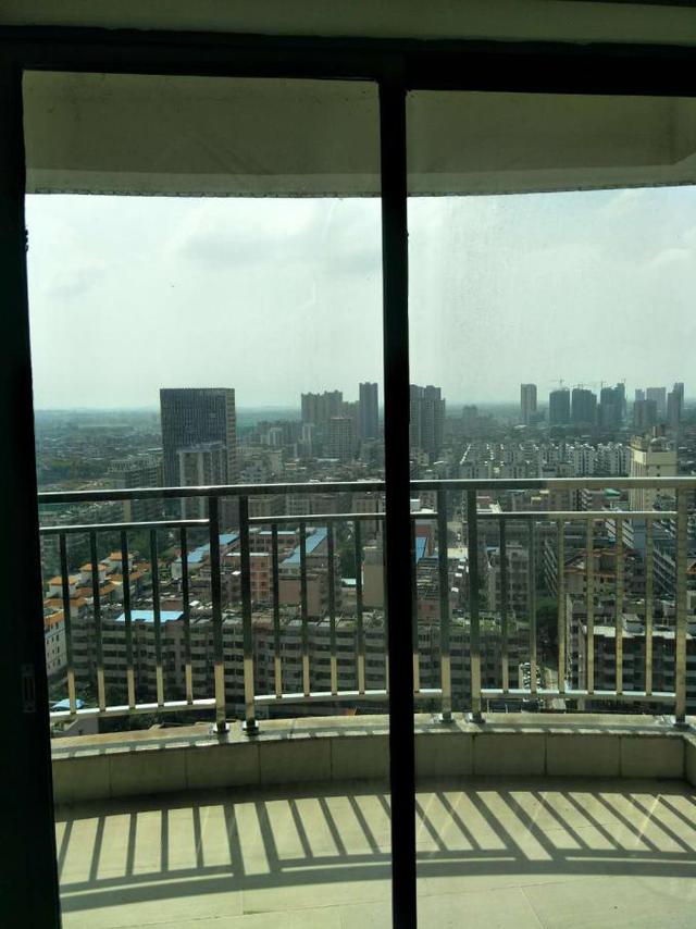 【Q友放租】新城中心高层3房 月租2500拎包入住