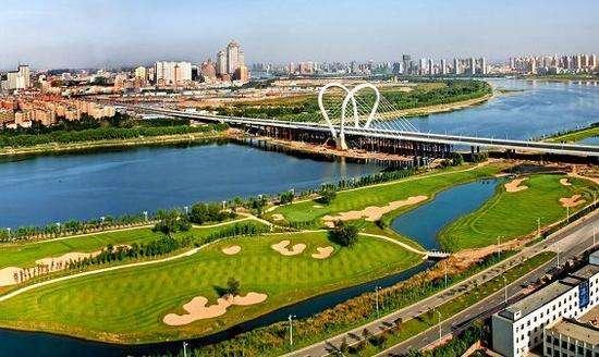 """2017年,沈阳""""一河两岸""""规划定格沈阳大时代发展格局,浑河两岸以长白岛"""