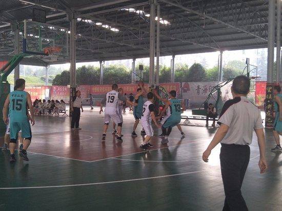 """十堰""""万达杯""""篮球联谊赛,正式拉开帷幕!"""