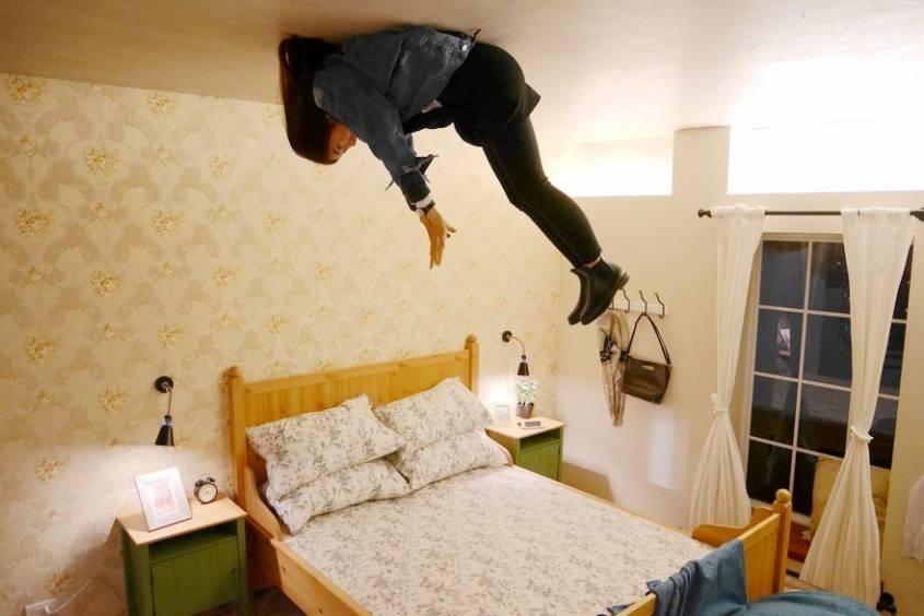 把自己固定在天花板