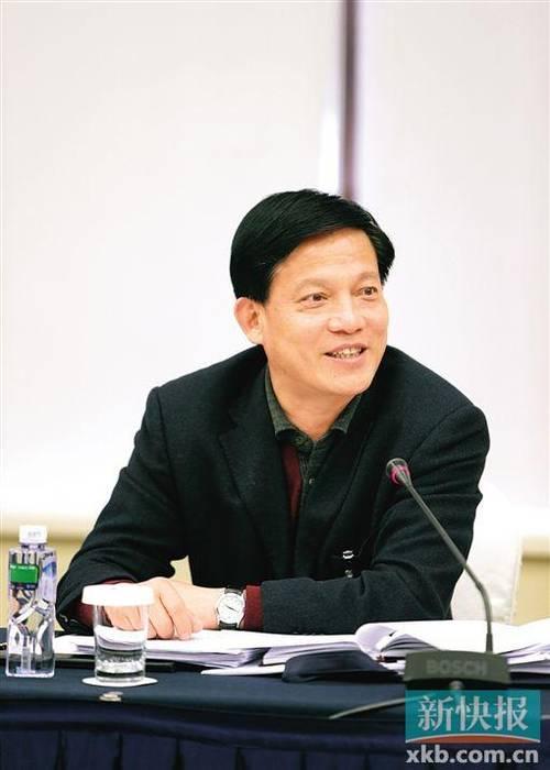 潮州市长李庆雄:汕潮揭三市将建城际轻轨