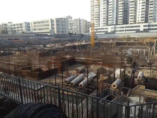 进度:隆泰·天璟雅居地下负二层工程已接近完工