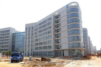 湛江中心医(首期)迁建项目进入收尾阶段 明年元旦整体搬迁