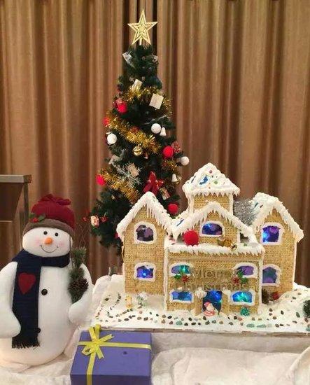 欢乐圣诞免费自助晚餐,全城开抢!快来集赞刷一波皇冠热度
