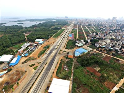 随着湛徐高速徐闻港支线,徐闻港进港公路改扩建工程和湛江港徐闻港区