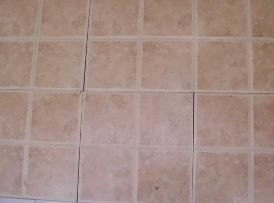 7,瓷砖勾缝最好用填缝剂