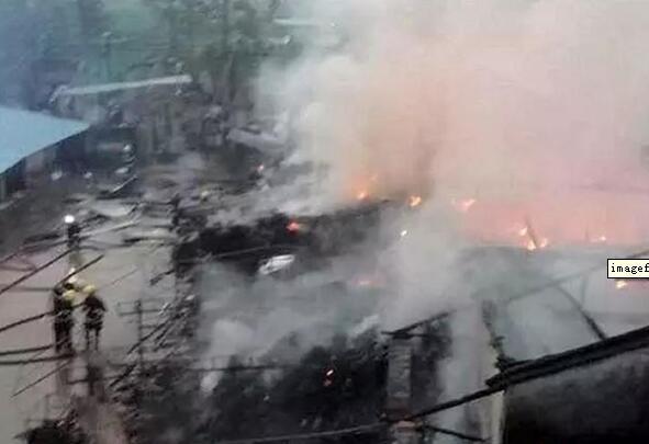 惠州早报!工厂凌晨突起大火 惊动10台消防车