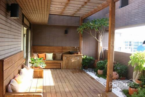 家庭自然完美融合 巧选材打造舒适阳台