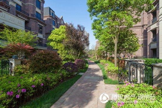 天河理想城:8万方园林景观 百万株植被大雅之园