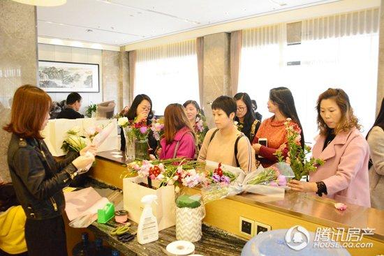 誉中心·愈难求 鸿泊湾中庭样板房11月12日正式启用