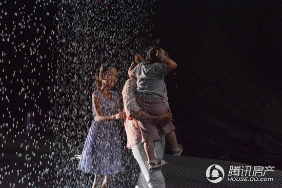 杭州大厦·大都汇:伦敦雨屋 让湖州来一场不湿身的雨