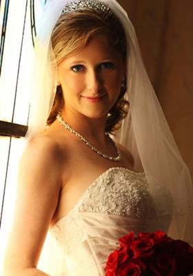 婚礼当天3护肤绝招 瘦脸上妆更服帖