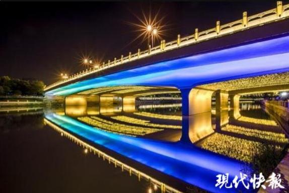 """夜游外秦淮河、玄武湖 这个国庆游""""夜金陵""""的人不少"""