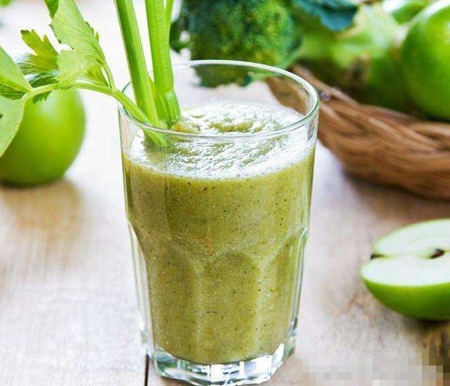 抗痛风降尿酸 芹菜怎么吃出一片新天地?