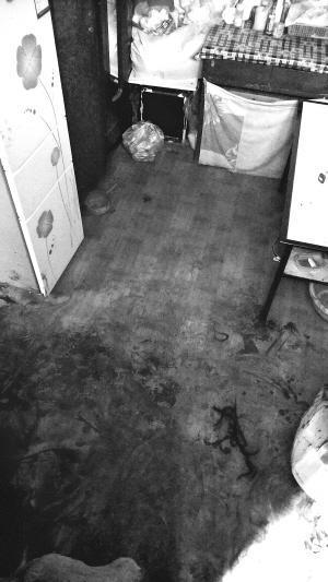 兰州男子挥刀杀妻女后自杀未遂 警方正调查原因