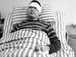 扬州19岁失恋小伙劫持女友 持刀与民警对砍