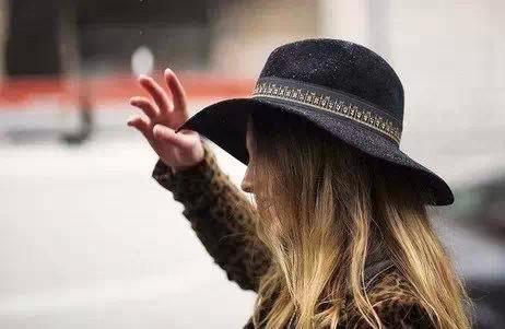 冬天最能提升气场的小礼帽