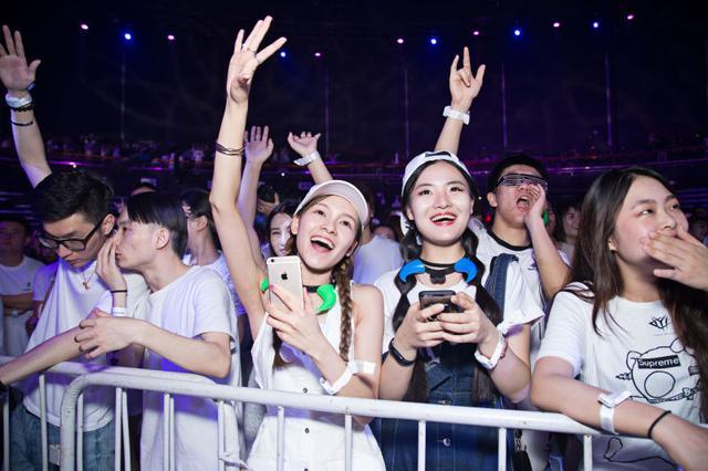 世界百大排行榜电音制作人来宁 助阵梦幻仙境白色派对
