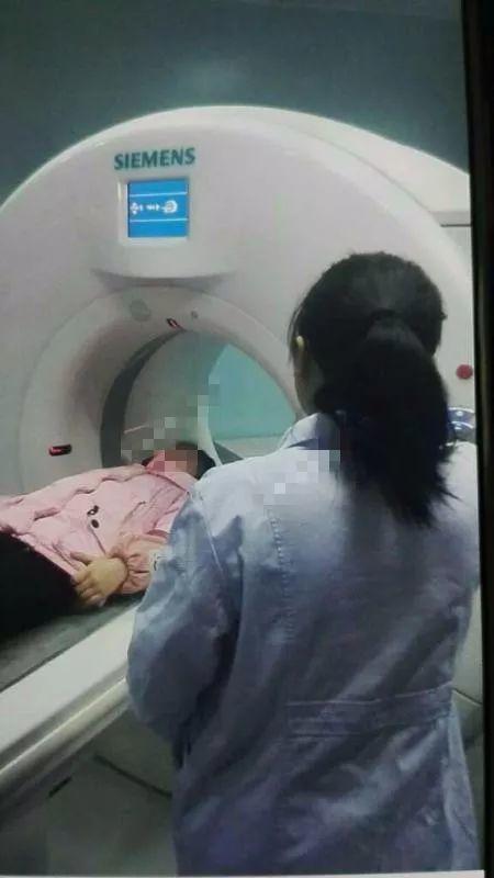 泰州一小学生被老师打成颅内出血 涉事教师已停课