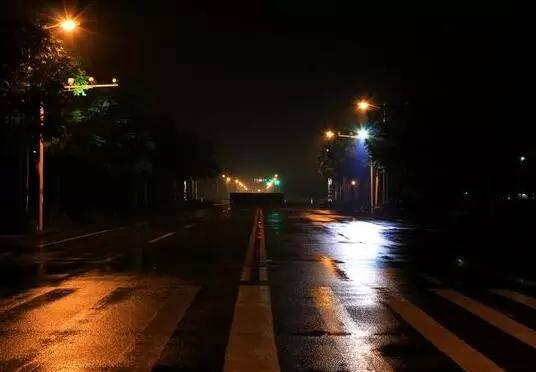 南京一女子疑夜跑时遇害 单身女性晚归要小心