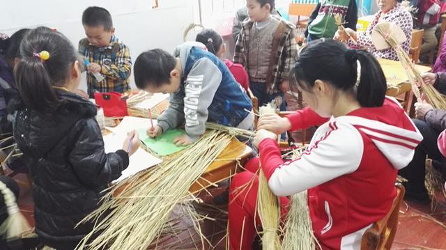 泰兴市滨江镇中心幼儿园开展创意手工亲子互动图片