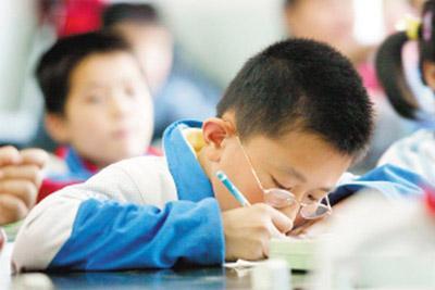中国儿童中为什么近视比例那么高?