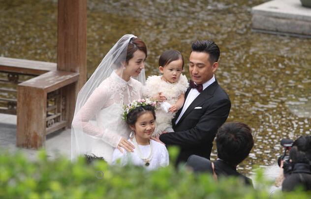 【苏家娱谈】假期第一天 黄磊来南京和你亲密互动啦!